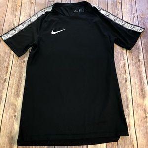 Nike — Dri Fit Short Sleeve Shirt Size Small